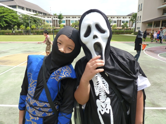 grim reaper scream student school halloween Thailand international school varee Thai kids