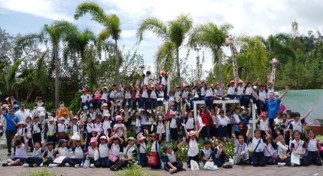 Varee School English Programme field Trip Chiangmai Thailand students