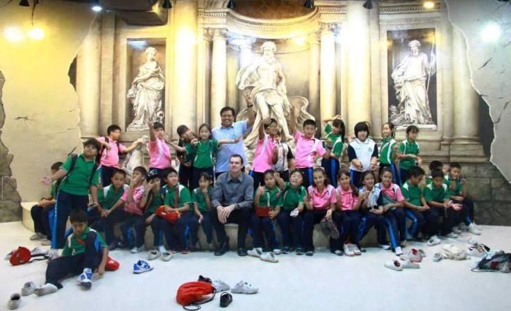 Art in Paradise Varee Chiang Mai School students field trip