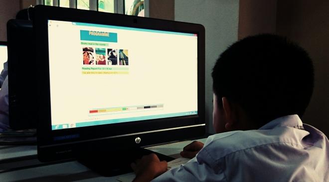 Varee School students using M-Reader