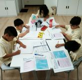 primary-students-at-singapore-international-school-sisb-in-chiang-mai-busy-working-on-a-reading-activity